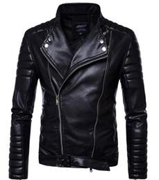 Короткий рукав кожа мотоцикл жакет онлайн-Короткий черный 5XL Куртка для мужчин искусственная кожа тонкий мужская куртка пальто стенд воротник осень Дикий мотоцикл с длинным рукавом пальто мужчины T170717