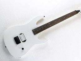 Wholesale Guitar Neck Rosewood Fingerboard - Customzied White Electric Guitar with Black Hardware,Basswood Body,Maple Neck,Rosewood Fingerboard,H Pickup,Can be changed