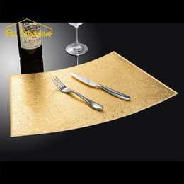 Wholesale Gold Dining Table - Wholesale- Vintage Gold Printed PP Placemat Pads Dining Table Mats Heat Insulation Table Placemats PVC Bowl Coasters Arc Shaped