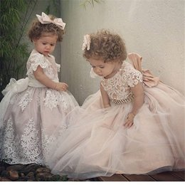 Wholesale Cheap Pretty Wedding Dresses - 2017 Pretty Crew Neck Ball Gown Flower Girl Dresses Lace Appliques Beaded Cheap Little Girls Wedding Party Gowns Custom Made