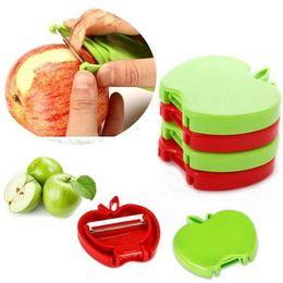 Cuchillo de melon de fruta online-Al por mayor - Venta directa de fábrica tipo plegable forma de manzana pelador de frutas plano melón cuchillo de fruta cuchillo plegable de fruta pelador de tipo plegable