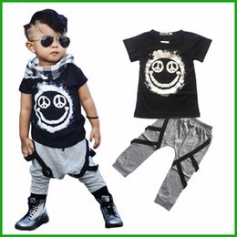 Wholesale Children Panda Suit - 2016 new arrival handsome boys clothing suits smile panda style two-pieces children outfits short t-shirts long pants free shipping