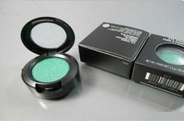 Wholesale Red Glitter Powder - Free Shipping Glitter Eyeshadow Smokey Makeup Eye Shadow Powder 1.5g Metallic Shimmer Humid Color White Trost Color 1 Pcs