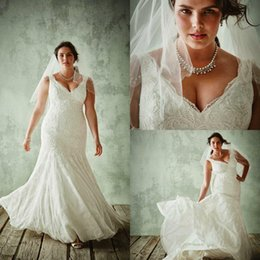 Wholesale Slim Fitting Mermaid Bridal Dresses - Custom Made Plus Size 2017 Mermaid Wedding Dresses Lace Up Back Slim Chapel Train Fat Ladies Good Fitted Bridal Gowns