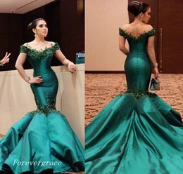 Wholesale Satin Emerald Green Dresses - 2017 Emerald Green Elegant Prom Dress Off Shoulders Long Formal Holidays Wear Graduation Evening Party Pageant Gown Custom Made Plus Size