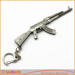 Wholesale Gun Metal Game - Gun Pendant Keyrings Pop Game CF Cross Fire AK47 Gun Key Chains Metal Pendant Metal KeyRing Keychain