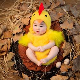 Kawaii kostüme online-Neugeborene Fotografie Requisiten super weich häkeln Baby gelb Küken Hut + Kostüm Set niedlich Kawaii Baby Fotoaufnahme