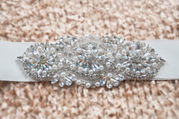 Wholesale Rhinestone Wedding Sashes - Fashionable Bridal Sashes and Belts Wedding Dress Sash for Wedding Beaded Rhinestone Crystal Wedding Belt Cheap
