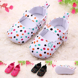 Wholesale toddlers polka dots dresses - New Arrival Wholesale Baby Shoes In Bulk Soft Sole Colorful Polka Dot Girls Toddler Baby Walking Shoes Casual Dress Baby Girl Slippers