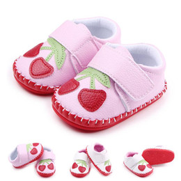 Wholesale Girls New Design Shoes - New Arrival Wholesale Baby Walking Shoes Cherry Design Hand-stitched Hook & Loop Soft Leather Toddler Shoes For Girls Casual ShoeS