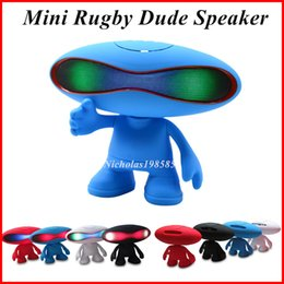 Wholesale Hi Football - Q30A Rugby Football Style Bluetooth Wireless Speaker LED Light Alien Portable Mini Subwoofer Audio Amplifier Hi-fi Speakers Dude Doll Stand