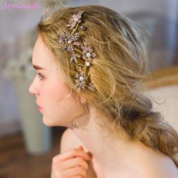 Rebe stirnband online-Beijia Vintage Strass Flora Haar Rebe Hochzeit Kamm Goldene Braut Stirnband Haarschmuck Frauen Accessoires Kopfbedeckungen