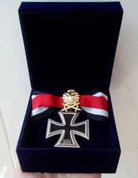 Wholesale Cross Medals - Wholesale Souvenirs collection ww2 wwii German military iron cross medal badge with golden OAK tree LEAF and all-suede medal box