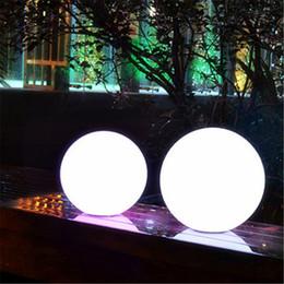 Boule en plastique globe en Ligne-4pcs / lot Dia.30CM imperméable à l'eau charge sans fil émettant led lampe de balle Glowing en plastique lumineux incassable led Globe nuit lumière