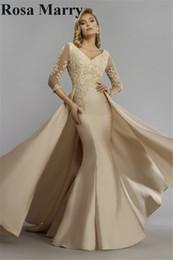 Champagne Overskirt Mermaid Mère De La Mariée Robes 2020 Élégant Vintage Dentelle Manches Longues Plus La Taille Peplum Femmes Formelle Robes De Soirée ? partir de fabricateur