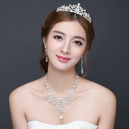 Wholesale Cheap Tiara Sets - Wedding Party Diamond Bridal Jewelry Sets Bridal Tiaras Crowns Hair Accessories Wedding Headbands Earrings Crystal Necklace Cheap