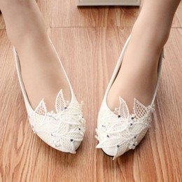 Wholesale High Heel Shoes Diamonds - 2015 summer white with low performance shoes with diamond wedding shoes heeled lace Bridesmaid bride soft bottom flat shoes