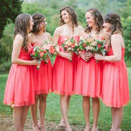 Wholesale Short Coral Strapless Chiffon Dress - Cheap A-Line Short Bridesmaid Dresses Strapless Neckline Prom Gowns Knee Length Pleated Sleeveless Chiffon Evening Dress