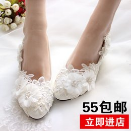 Wholesale Custom Bridesmaid Shoes - Winter, red and white lace Diamond Flower Bride Bridesmaid Wedding Shoes with low handmade custom princess shoes ladies shoes
