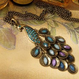 bijoux en diamant bleu Promotion Collier de plumes de plumes de paon bleu pierres précieuses collier de paon rétro Pull chaîne de cristal bijoux diamant pendentif collier
