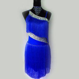 trajes de baile azul blanco rojo Rebajas 2019 Adulto / Niño Nuevo estilo traje de baile latino sexy borla de diamante vestido de baile latino para mujeres vestido de concurso de baile latino S-4XL