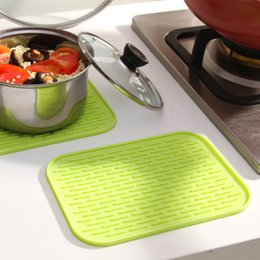 Wholesale Modern Kitchen Gadgets - Wholesale- JJ276 4 PCS LOT Silicone Placemats Slip Cup mat Insulation Pad Home Kitchen Gadgets Dining bar tool Table Decoration Accessories