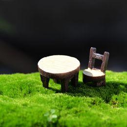 Ferramentas de jardinagem em miniatura on-line-Resina Mini Artificial Mesa Cadeira de Fadas Jardim Miniaturas Artesanato Bonito Bonsai Micro Paisagem Decorações Terrarium Gnomos Ferramenta 16cj JZ