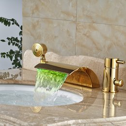 Wholesale Led Waterfall Tub Faucets - LED Light Brass Golden Tub Filler Deck Mount Waterfall Bathroom Bathtub Mixes Faucet with Handshower