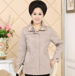 mittelalter frauen mäntel Rabatt Großhandels-Mum Coat Frühling und Herbst 2016 Fashion Middle Women Plaid Kragen Solid Zip Jacke Large Size Female A165