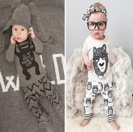 Kleine jungs passt mädchen online-Neue babykleidung säuglingskleidung baumwolle kleine monster langarm t-shirt + hosen kinder 2 stücke anzug babykleidung sets