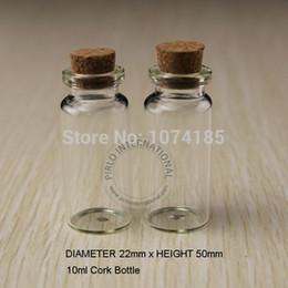 Piccole bottiglie di vetro online-50pcs 10ml bottiglie di vetro piccole fiale vasetti con tappi di sughero tappo decorativi tappi mini bottiglia di vetro minuscola per pendenti