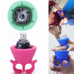 Wholesale Nail Polish Stand Wholesale - Flexible Durable Wearable Silicone Stand Polish Bottle Holder Display Rack Ring Fit All Fingers Nail Art Manicure Tool Salon Pro #3955