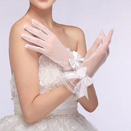 Wholesale Satin Gloves White Short - 2016 New Bridal Gloves White Gauze Transparent Flower Sweet Short Wedding Gloves Wholesale Vestidos Cheap Wedding Accessories