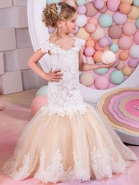 Wholesale Teen Girls Short Formal Dresses - Elegant Teens Formal Pageant Prom Dress With Cap Sleeves Lace Appliques Champagne Mermaid Flower Girls Dresses For Weddings Party Cheap