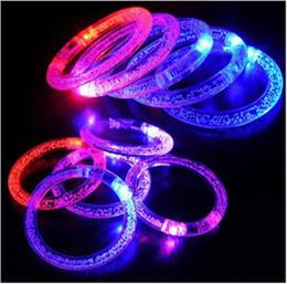 Canada Livraison gratuite whilesame Hot rassemblements accessoires acrylique lumineux bracelet nuit marché décrochage jouets en gros approvisionnement de petit flash cheap acrylic latex wholesale Offre