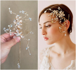 Wholesale Vintage Pearl Wedding Hair Combs - Gold Bride Side Hair Comb Crystals and Pearls Elegant Bridal Vintage Headwear Actual Images Wedding Hair Accessories Couture Designer