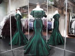 2-teiliges fischschwanz-abschlussballkleid online-Emerald Green Off The Shoulder Zweiteiler Mermaid Prom Dresses 2018 Spitze Perlen Stain Fishtail Abend Formal Wear Pageant Kleider