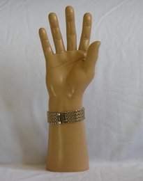 Modelo de mano masculina online-manos de la exhibición del guante de freeshipping, Mannequin Hand Arm Display Base Male Gloves Jewelry Modelo M00492