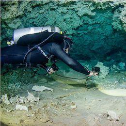 Wholesale Diving Flashlight Magnetic - High Power Underwater 150m 3000 Lumens Brinyte DIV10 Magnetic Switch XM-L2 3 x LED Diving Flashlight Torch Lanterna
