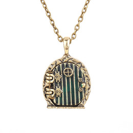 Wholesale Antique Gold Locket Pendant - Wholesale-door locket necklace Bilbo Baggins vintage retro antique gold pendant movie jewelry for men and women wholesale