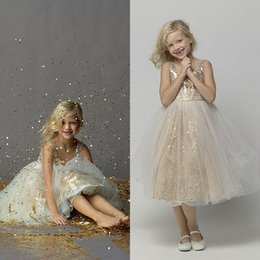 Wholesale Girls Green Pageant Dress Sequins - 2016 Wholesale Flower Girls Dresses for Weddings Sparkly Gold Sequin Communion Dress Lovely A Line Tulle Princess Pageant Gowns Tea Length