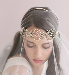 Wholesale Crystal Fascinators For Hair - Trendy Gold Bridal Wedding Tiaras Bohemia Hair Accessories Crystals Headband Girls Wedding Party Headwear Veils for Brides