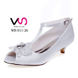 Wholesale Girls Wedding Shoes Ivory - 5cm Heel Height Comfortable Bridal Shoes Wedding Shoes Bridemaid Shoes Flower Girl Shoes Wedding Dress Shoes With Crystal Pearl From Size 35