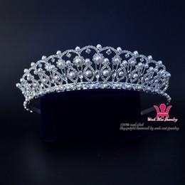 Wholesale Beautiful Queen Hair - Bridal Wedding Tiaras Rhinestone Pearl Exquisite Crown Noble And Beautiful Princess Queen Headdress Pretty Girls Hair Accessories 01628