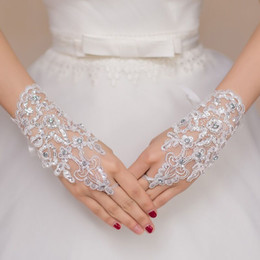 Wholesale Short Red Lace Wedding Gloves - White Ivory Red Short Wedding Gloves Wrist Length Fingerless Lace Appliques Sequins Bridal Gloves Cheap Wedding Accessories