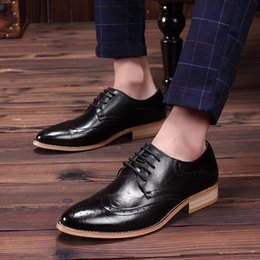Wholesale Vintage Brogues - 2016 Noble Stylish Genuine Leather Vintage Carved Brogues Shoes Mens Casual Oxfords Shoes Hand Made Lace Up British Style High Quality