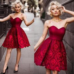 Dunkelrote shorts online-Dark Red Short Prom Dresses 2018 Sexy Schatz Spitze Appliques Abendkleider Mädchen Mini Homecoming Kleid Günstige Cocktail Vestidos