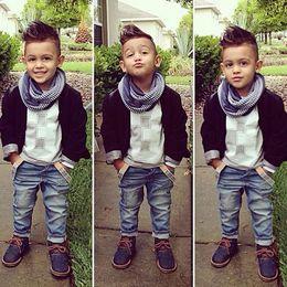 Vestito giubbotto bambino online-Nuovo arrivo Baby Boy Denim Boutique Sets Abbigliamento Autunno Inverno Nero Gilet Top Jacket + T Shirt + Jeans 3PCS Suit For Children Outfits Kit