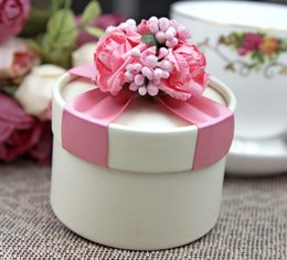Wholesale Pink Circle Favor Box - Free shipping Sweet Love Pink Circle Wedding Box Purple Ribbon With Flowers Favor Gift Boxes 100Pcs Lot 2016 Hot Sale