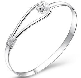 Fiori di natale online-Braccialetto d'argento del braccialetto di modo 925 bei fiori di ciliegia dei fiori Braccialetti di fascino dei monili poco costosi regalo di Natale di alta qualità